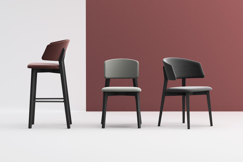 Collezione Wrap Wood sedia, poltroncina e sgabello in legno imbottiti. Design Copiosa Lab